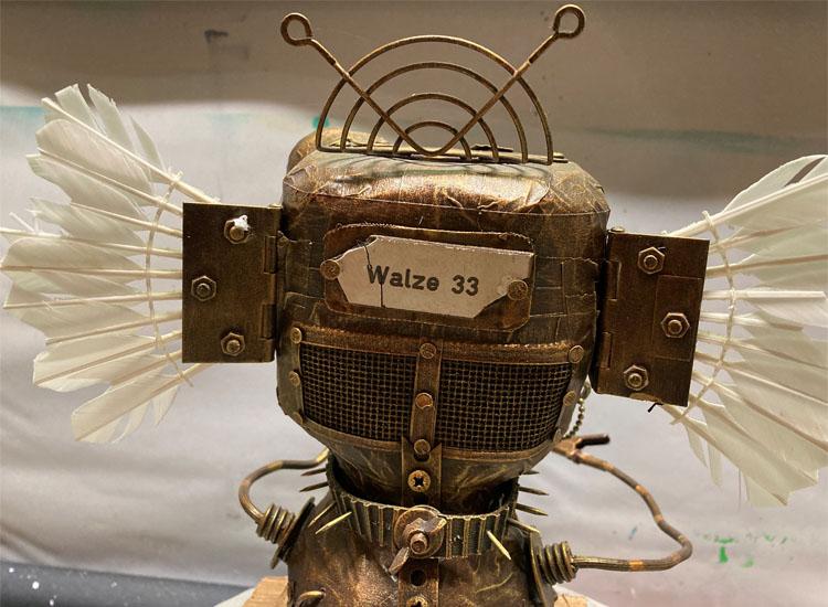 Kopfansicht von hinten der Skulptur Walze 33 von Gennadi Isaak